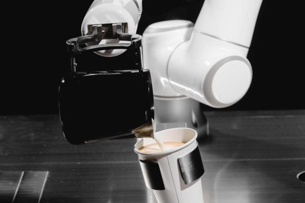 """创新""""咖啡+AI""""模式,镁伽诠释未来智慧零售新定义"""