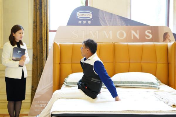 Simmons席梦思美眠助力,第五届业余高尔夫超级联赛上海站开赛