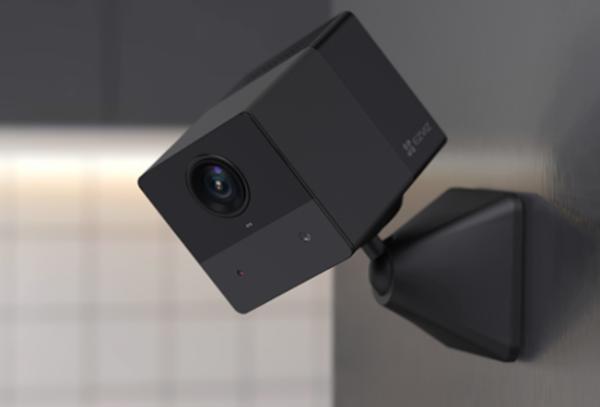 """无""""线""""烦恼 灵巧吸附 萤石家用电池摄像机BC2热售中"""
