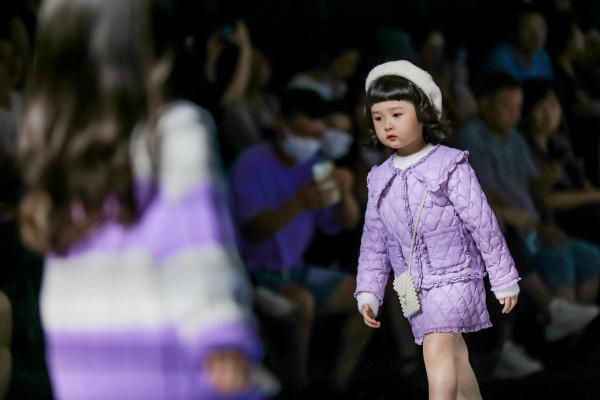 抖音电商母婴X KIDS WEAR,抖in宝贝计划潮童秀诠释国际儿童时尚前沿