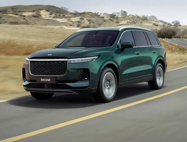 和家人一起就近体验2021款理想ONE汽车,用车简单又舒心