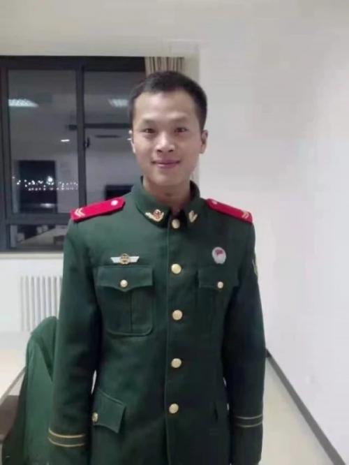 致敬英雄 郑州暴雨曹师傅勇救5人获华帝奖励