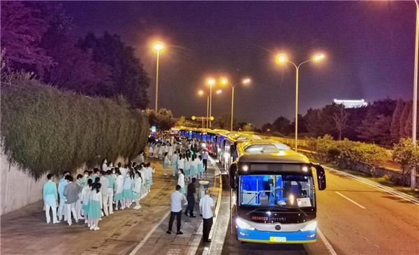 绿色创领 新能源亮剑 欧辉超千台客车服务国家庆典