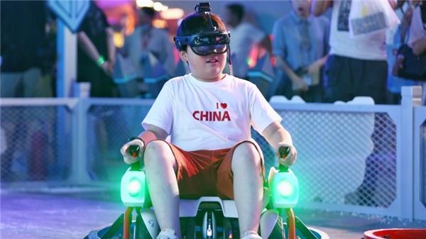九号公司牵手淘宝造物节亮相上海 掀起擂台对战全新玩法
