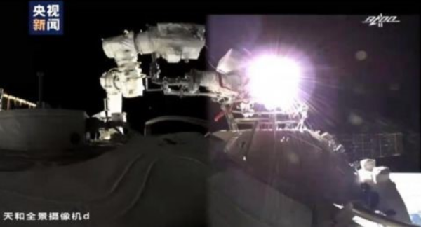神舟十二号出舱成功!明月镜片见证高光时刻