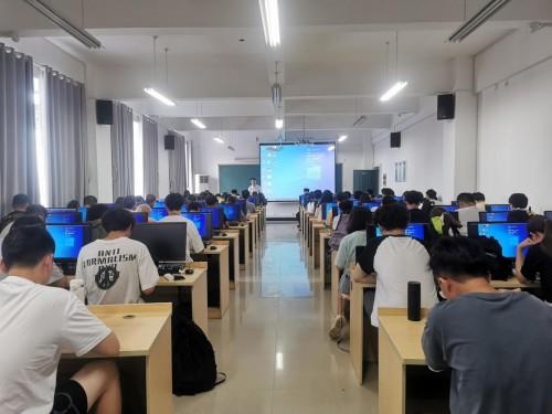 万应工场低码实训走进湖南工程学院,助力软件应用型人才培养