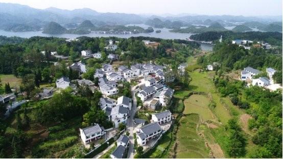 观生态文明成果 察贵州生态底色