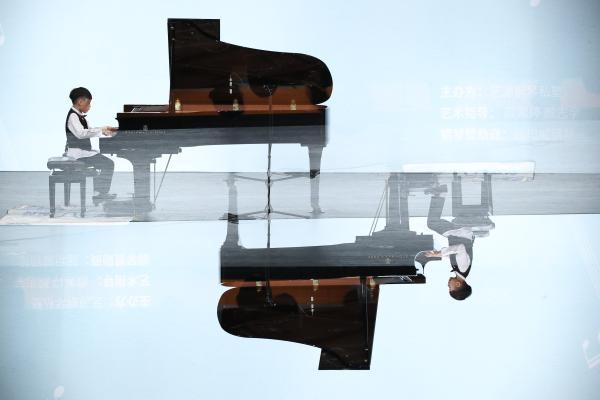 """""""心有灵熙、豪杰并起"""" —黄俊熙、黄俊杰钢琴演奏会圆满举行"""