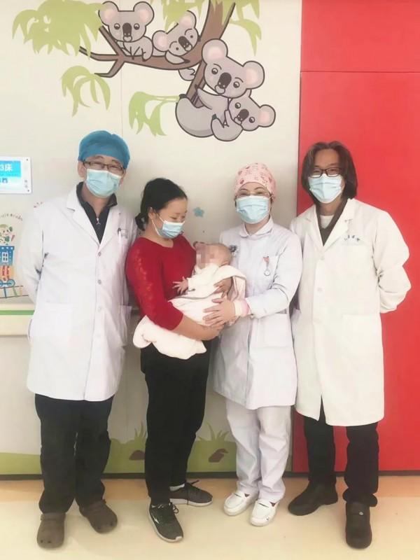 南京市儿童医院完成一例低体重新生儿巨大肝母细胞瘤手术
