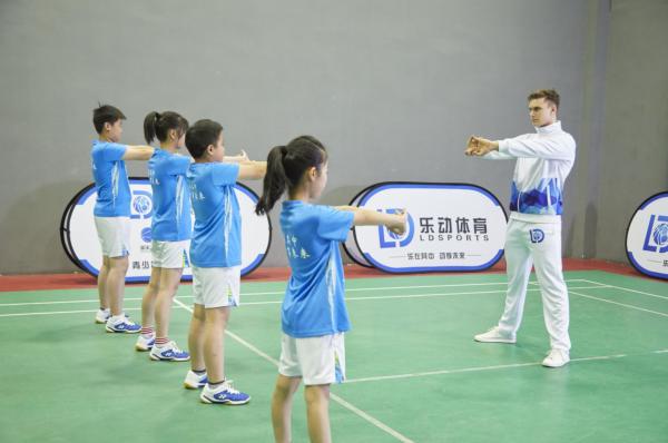 乐动体育羽毛球培训,带给学员持之以恒的动力