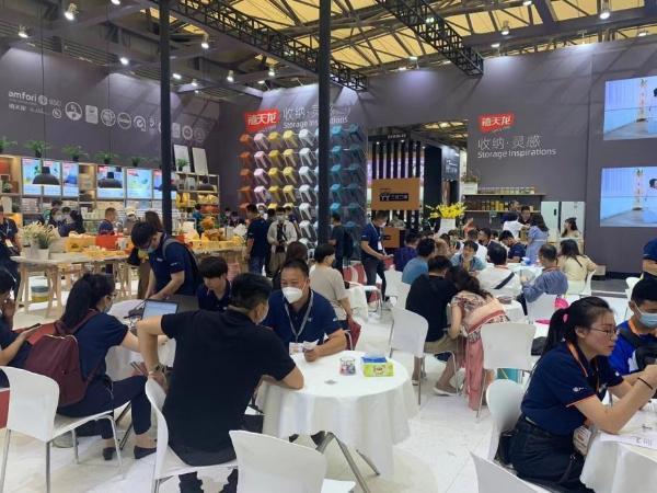 第115届上海百货会今日盛大开幕,禧天龙家居邀您共聚展会!