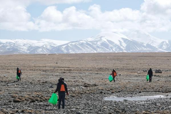 三江源·沁源行动支持青藏绿色驿站的饮水健康