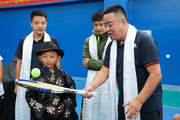 """阿迪达斯""""看见每一种可能""""特别之旅——突破高原极限,凭网球与世界交流"""