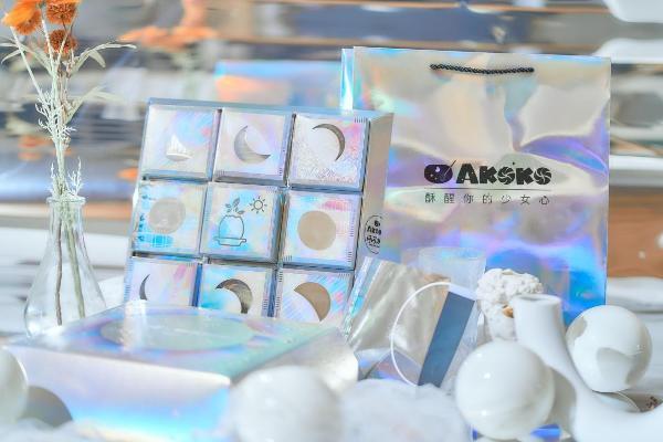 中秋礼盒层出不穷,AKOKO联名闪闪力量演绎更多可能