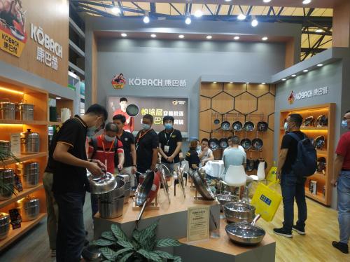 2021上海百货会盛大开幕,康巴赫携明星蜂窝锅重拳出击