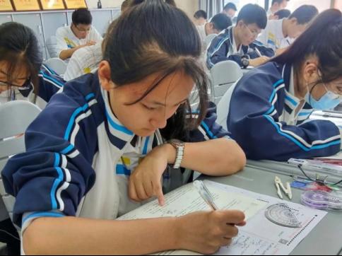高考复读专业一对一辅导教育机构,大智教育助力学子逆袭!