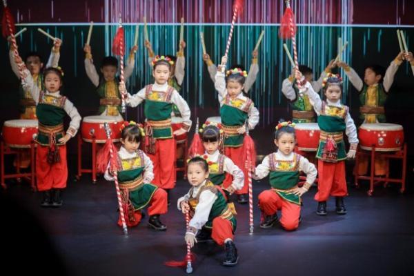 潮起中国MEIYI SHOW——第十四届MEIYI英皇国际幼儿园毕业典礼
