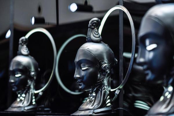 GXGx大悲宇宙联名上线,未来科技碰撞先锋艺术