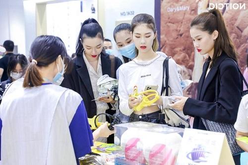 2021时尚深圳完美收官,蝶讯馆就酱紫精彩!