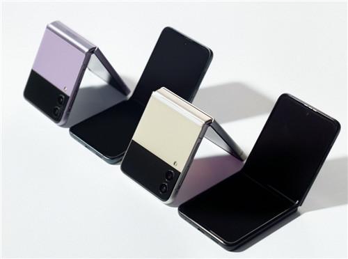 三星折叠屏手机Galaxy Z Flip3 5G火热预约中 引领新潮不容错过