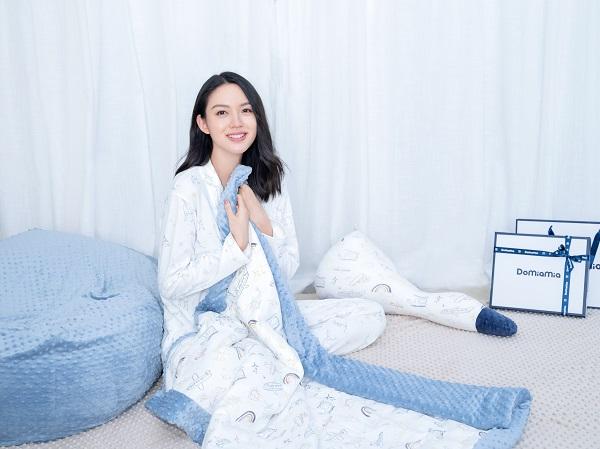 Domiamia哆咪呀携手代言人张梓琳,共同打造胎感安抚,成就宝宝天生好睡眠!