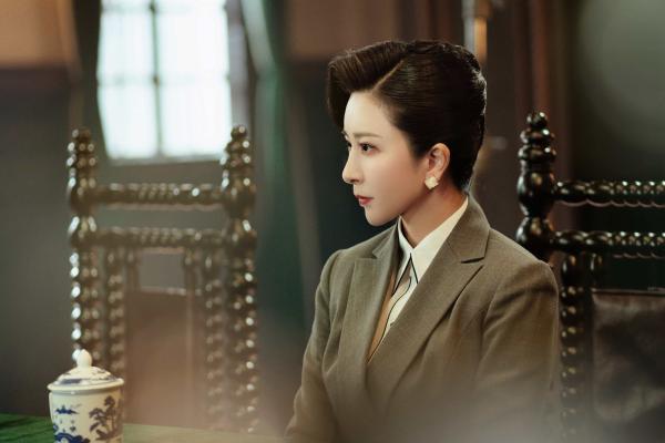 文化艺术界的一股清流伊丽媛:兼具颜值与演技的歌唱家,这才是学习的榜样