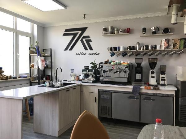 """马克西姆""""咖啡杯里的艺术""""活动,致力于推动咖啡事业发展"""