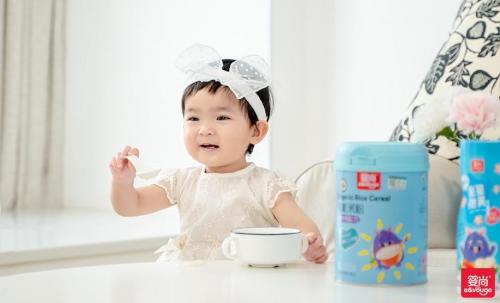选好婴幼儿米粉,减轻夏日宝妈喂养烦恼