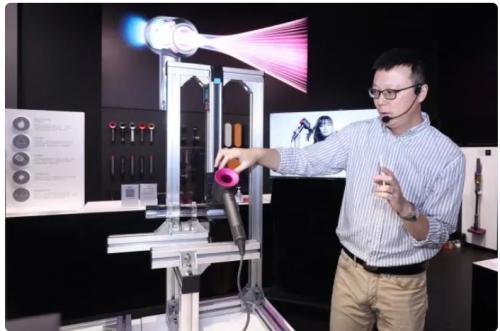 上海戴森官方直营体验店开启七夕体验活动,携护发科技绽放光彩瞬间
