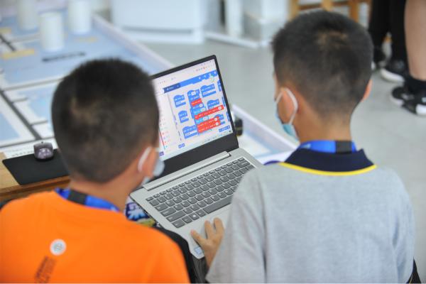 AI 创客志冲天——英荔教育贺全国青少年人工智能教育成果展示大赛圆满谢幕