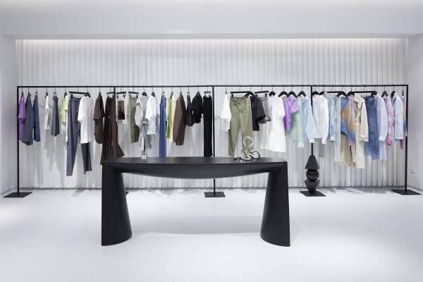 美邦旗下品牌MECITY将暂别传统商圈,向年轻人常聚的时尚轻奢商圈发展