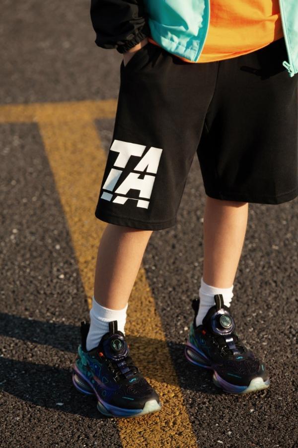 安踏儿童为你准备好了秋天的第一双跑鞋 限量开抢!