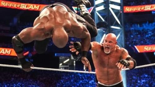 虎牙最前线-WWE最星讯连载五 WWE永远的战神,就让虎牙问出:谁是下一个?