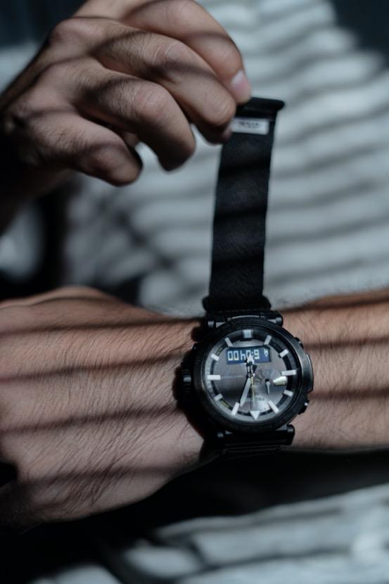穿过人海 走遍世界的角落 PRO TREK户外手表 陪我闯世界