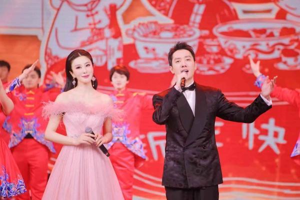 学者型歌唱家伊丽媛:娱乐圈的一股清流,永远都是内外兼修的实力派