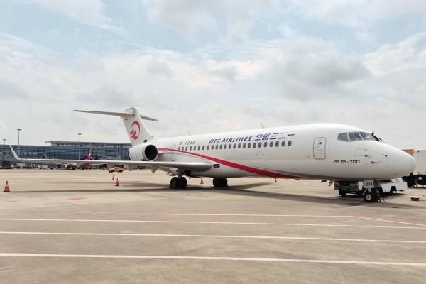东航技术首次完成国产ARJ21-700飞机5A检工作