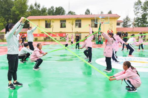 爱不止步,安踏公益项目助力中国儿童点亮未来