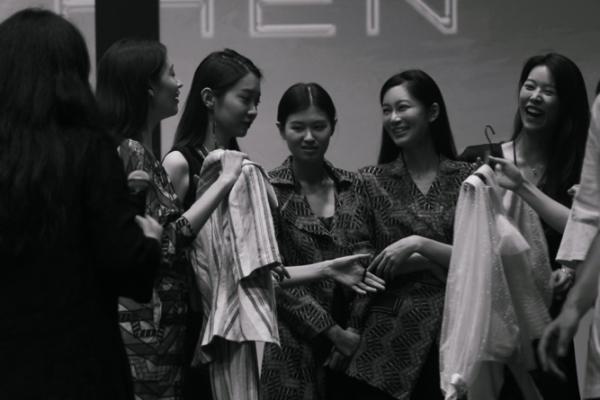 """在GRACE CHEN2021早秋""""棋""""系列感受一场博弈人生"""
