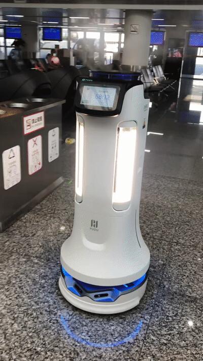 疫情反弹,普渡机器人驰援重庆江北机场