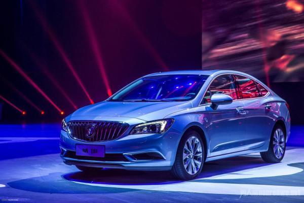 最适合年轻男性开的车推荐实力和颜值兼备的车选择推荐
