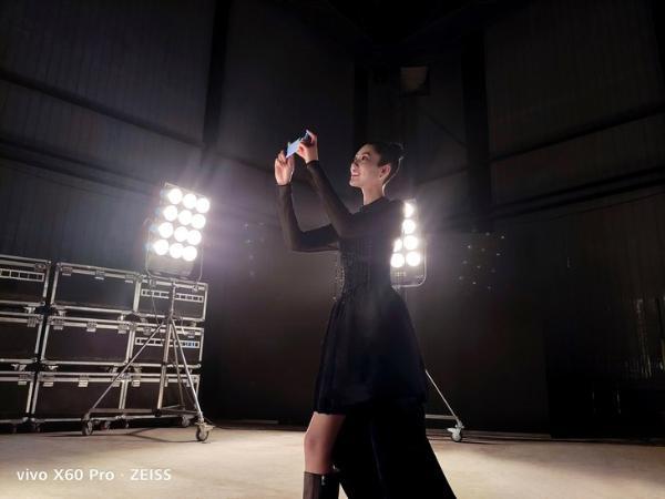 vivo X60系列样张曝光 微云台+蔡司镜头加持
