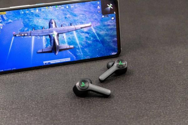 超低延迟,炫酷灯效!雷柏VM700真无线游戏耳机评测