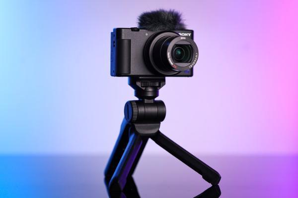 自拍神器索尼ZV-1 热卖促销送双肩包和32G卡