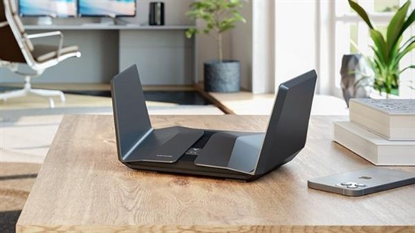 支持WiFi 6E netware发布夜鹰RAXE500路由器