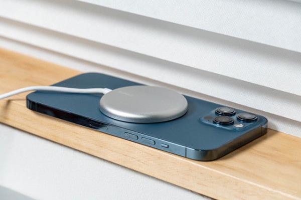 苹果紧急回应iPhone 12可干扰心脏起搏器:请保持安全距离