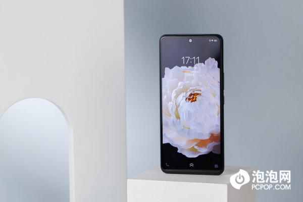 iQOO Neo 5:双芯加持带来更加流畅新体验