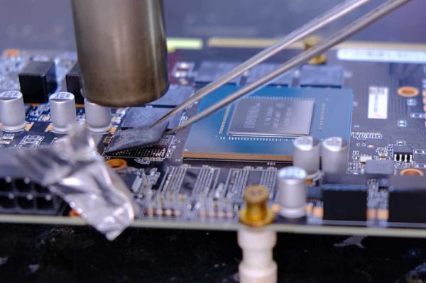 改装RTX3070显卡 换上16GB显存