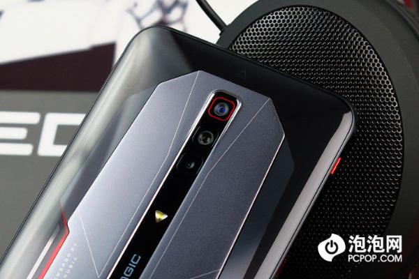 近期发布的游戏手机 做出了哪些差异化?