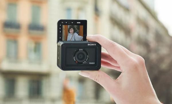 索尼RX0M2全新固件更新 增加与Xperia手机联动功能