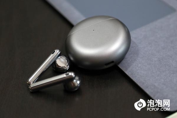 华为FreeBuds 4上手评测:半入耳也降噪,舒适降噪开辟真无线耳机新赛道